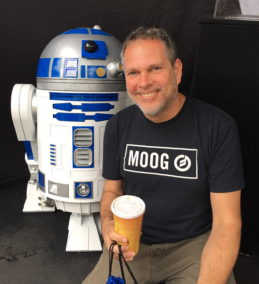 Mike and R2